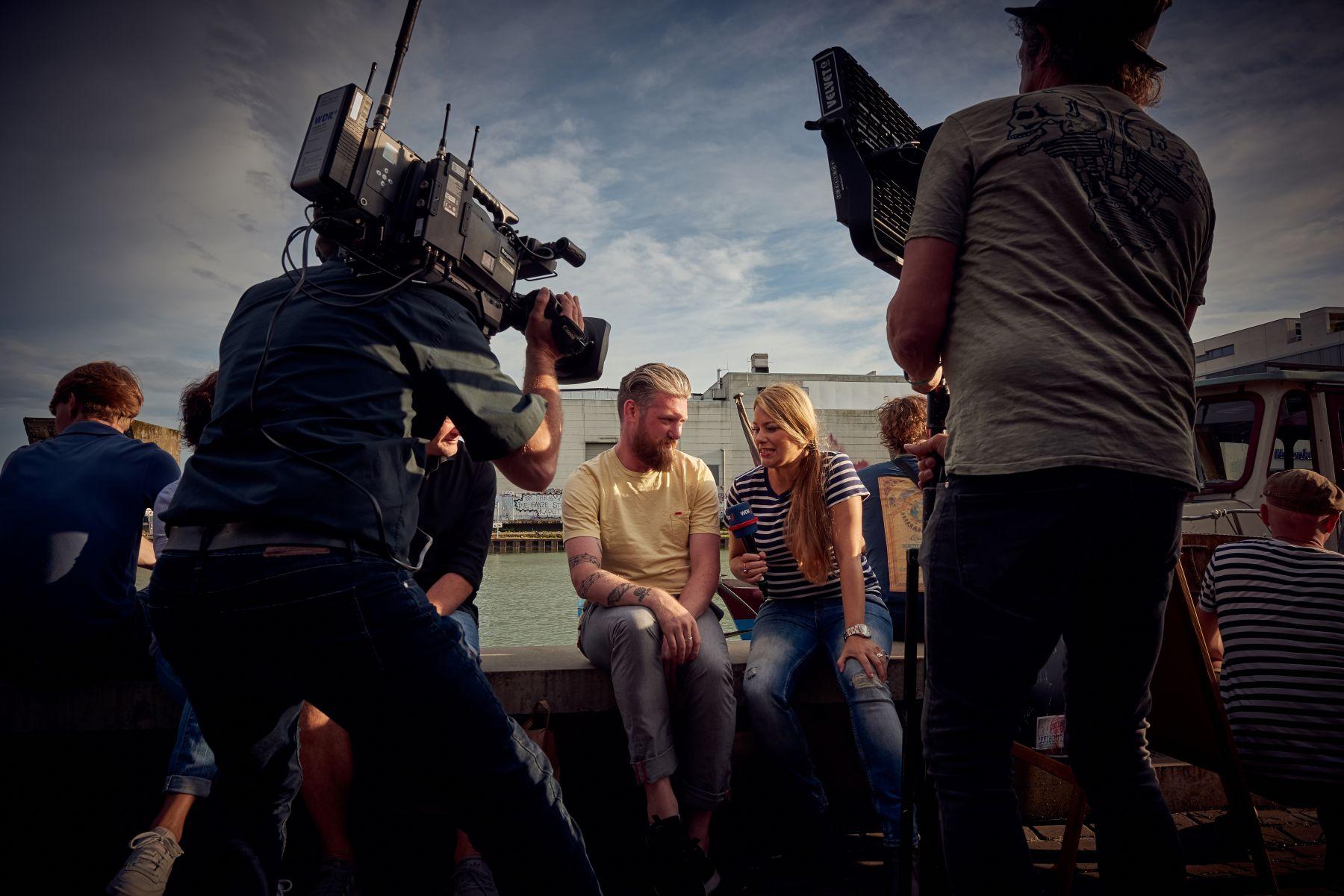 Treibgut - Hafen -2-2019- WDR Team - James Mackenzie