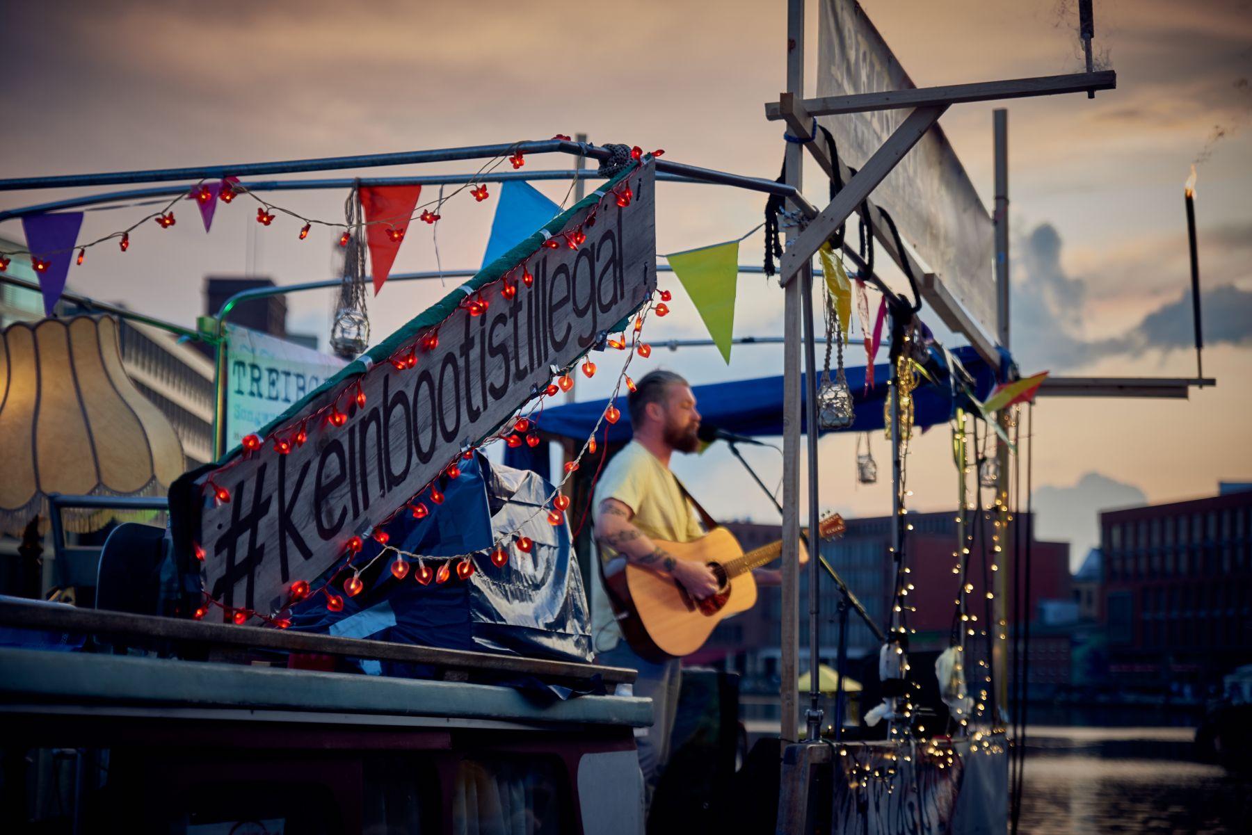 Treibgut - Hafen -2-2019- James Mackenzie